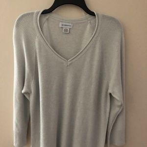 Liz Claiborne 3/4 Sleeve V Neck Metallic Sweater